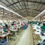 8 kinh nghiệm chọn xưởng may áo thun trơn chất lượng